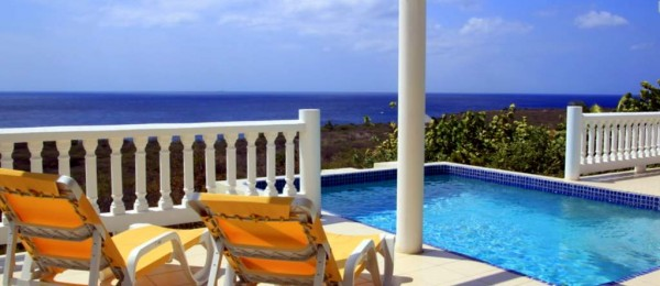 Seaside Curacao rentals for pure Caribbean relaxation on your holiday!